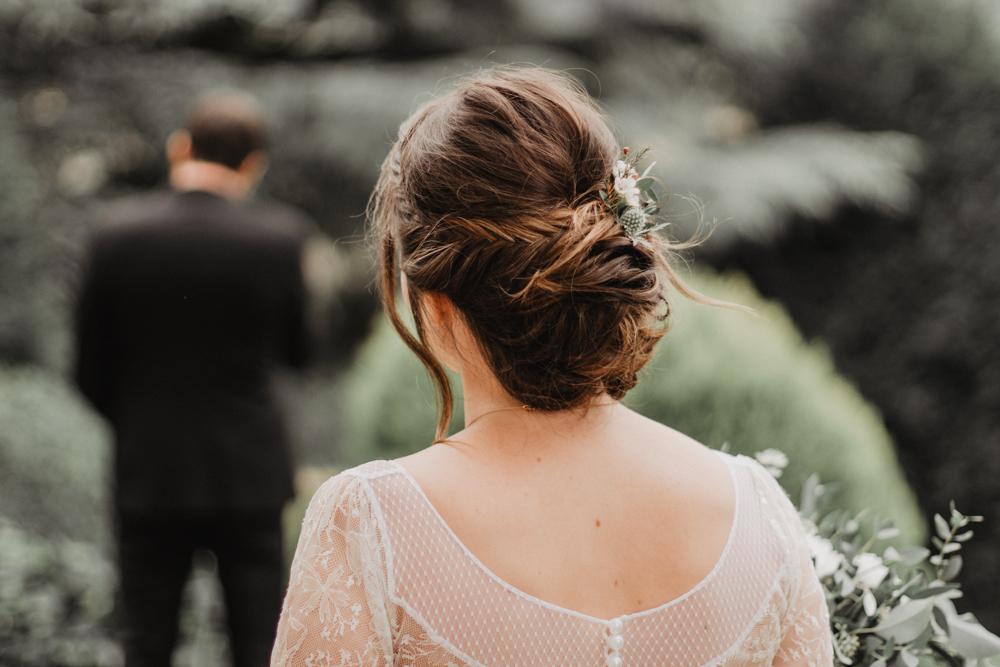 photographe mariage bohème Ardèche Rhône Alpes premier regard bouquet coiffure mariée