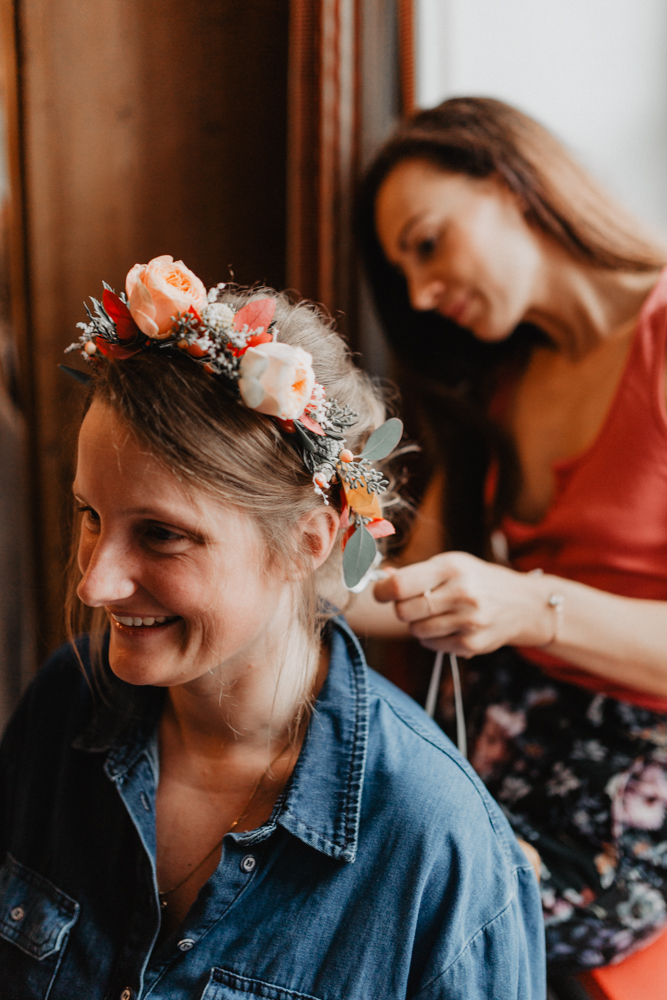 préparatifs mariage Lille couronne de fleurs mariée