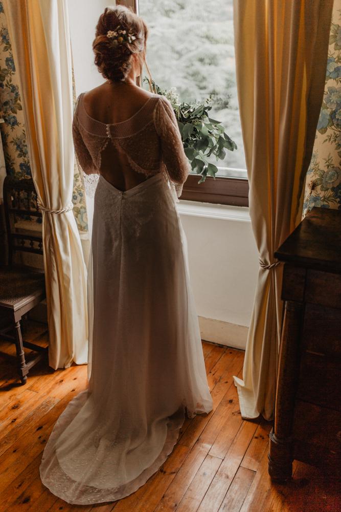 photographe mariage bohème Ardèche Rhône Alpes préparatifs mariée robe