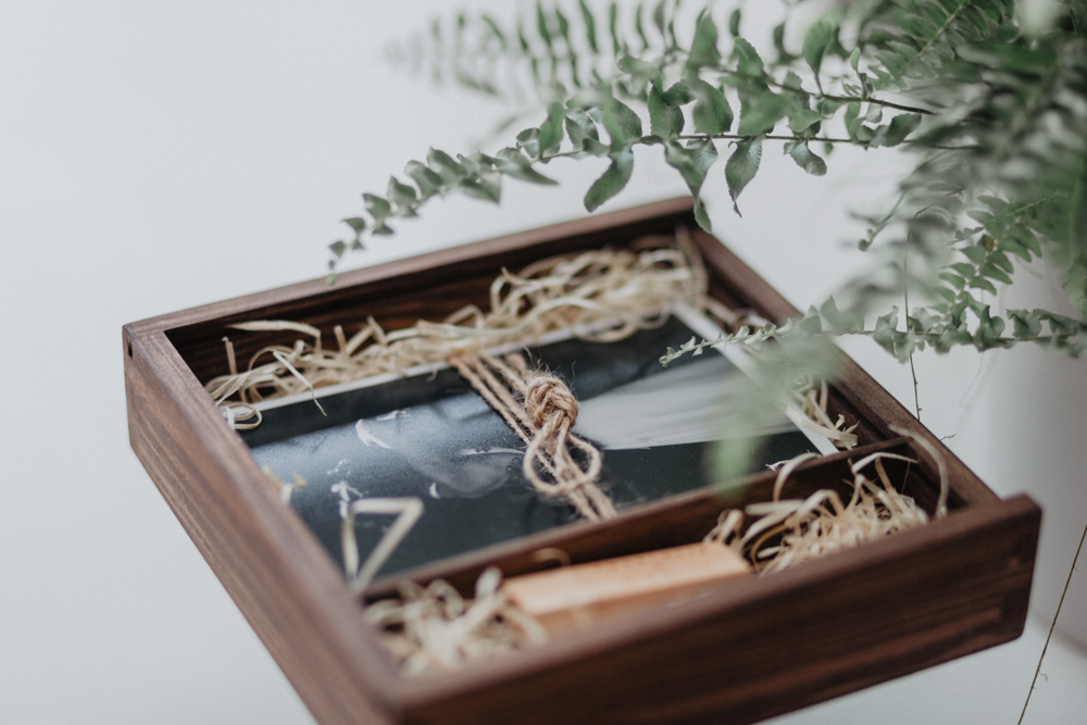 photographe mariage Lille naturel bohème coffret photo personnalisé bois gravé
