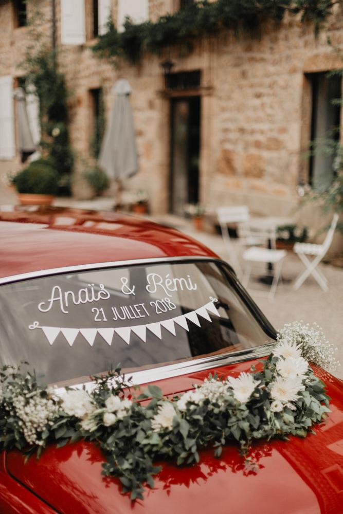 photographe mariage bohème Ardèche Rhône Alpes décoration vielle voiture