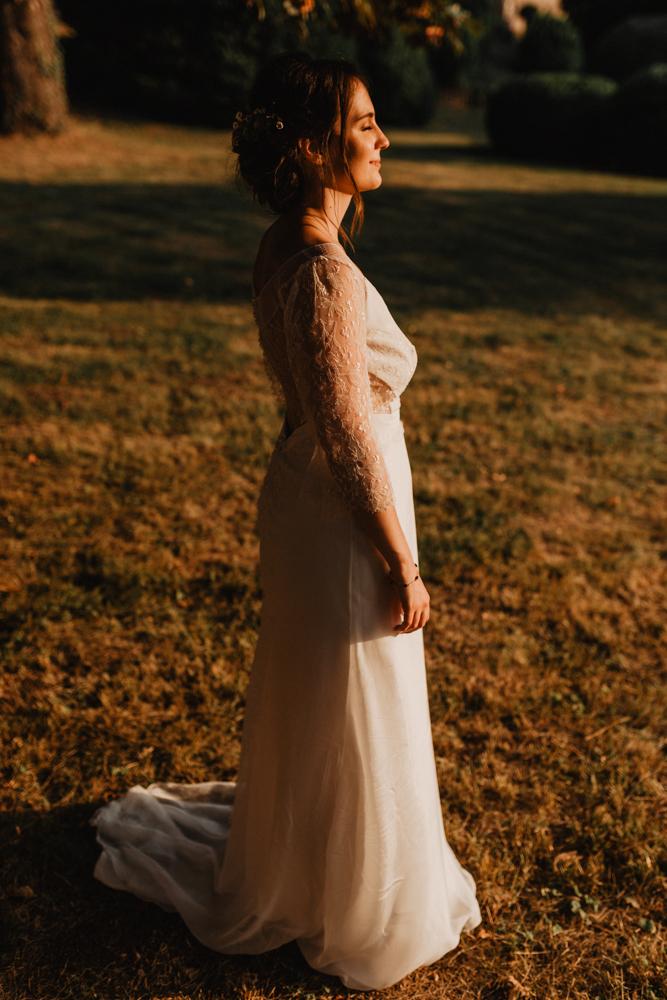 photographe mariage bohème Ardèche Rhône Alpes lancé portrait mariée robe