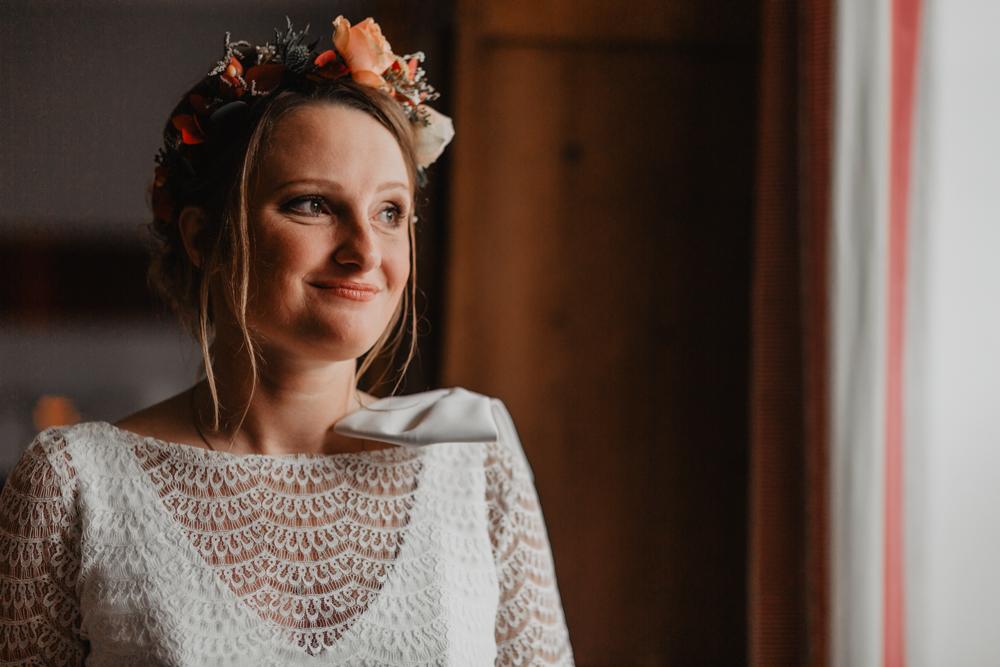 portrait mariée boho couronne de fleurs
