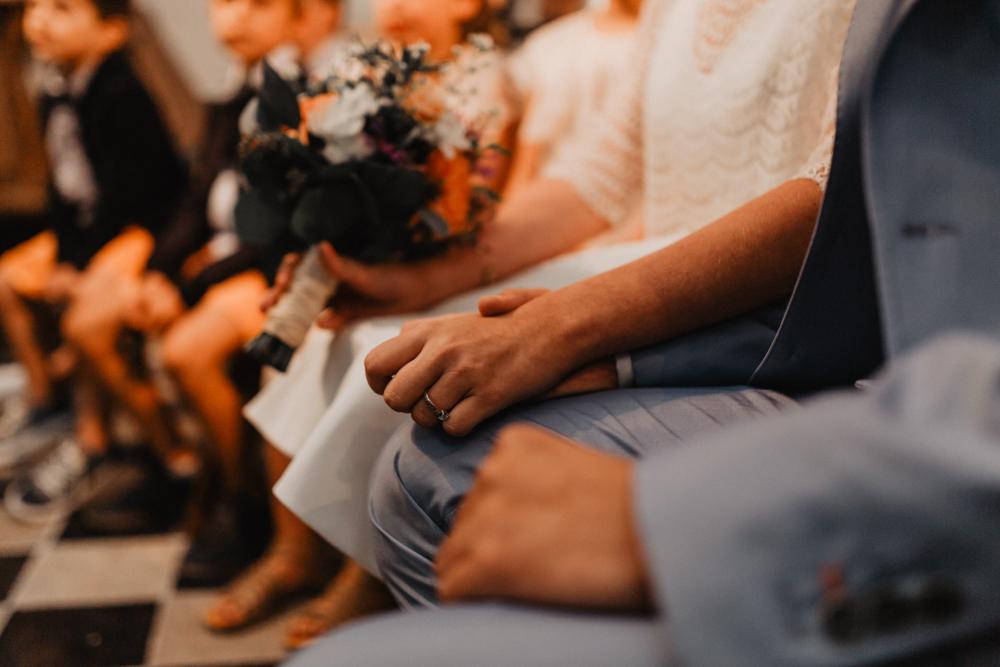 mariage bohème Nord main dans la main