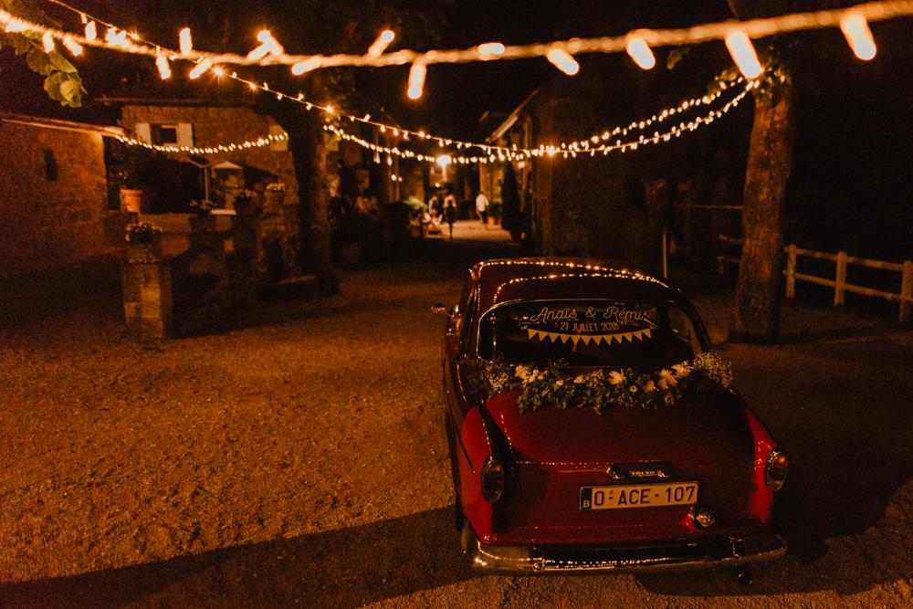 photographe mariage bohème Ardèche Rhône Alpes soirée lampions décoration extérieure
