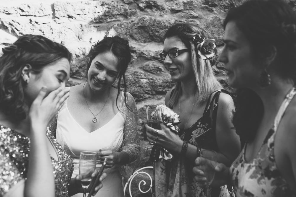 photographe mariage bohème Ardèche Rhône Alpes émotion témoin n&b