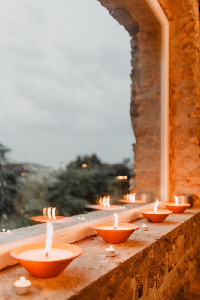 photographe mariage Ardèche Rhône Alpes boho décoration lampions