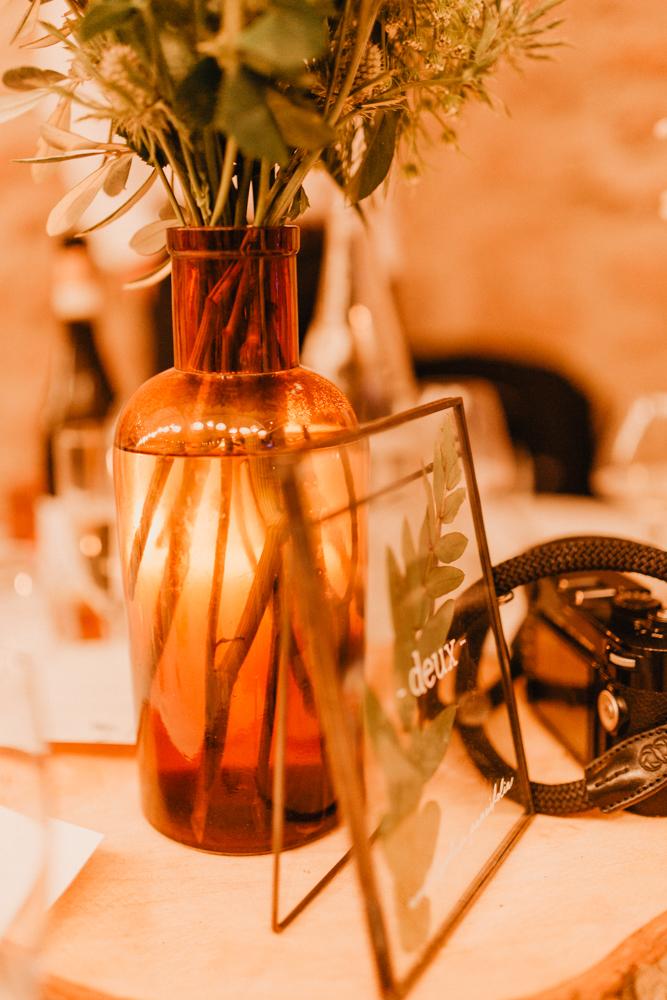 photographe mariage bohème Ardèche Rhône Alpes lancé décoration table soirée