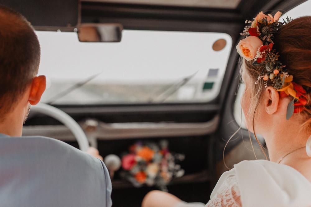 Mariage Boho Nord Hauts de France couronne de fleurs 2CV décoration mariage