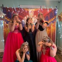 Prom Queens!