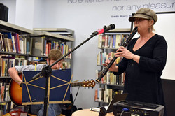 Didi Bergman and Rew Oates perform
