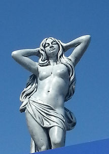 Photo of a statue in Bluetown