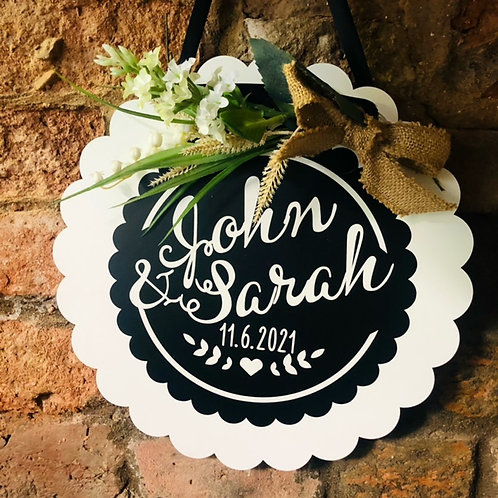Wooden Circular Flower Sign - Personalised