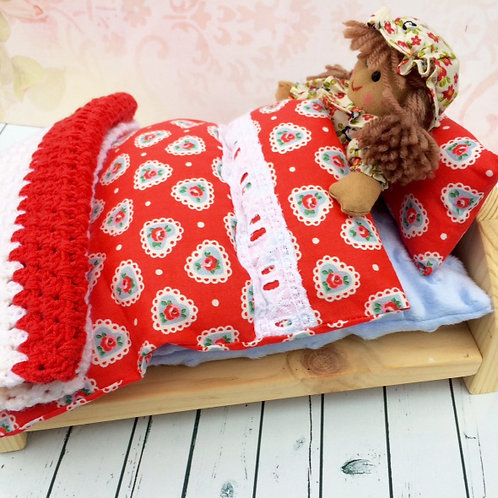 Natural Pine Bed with Little Rag Doll - Red
