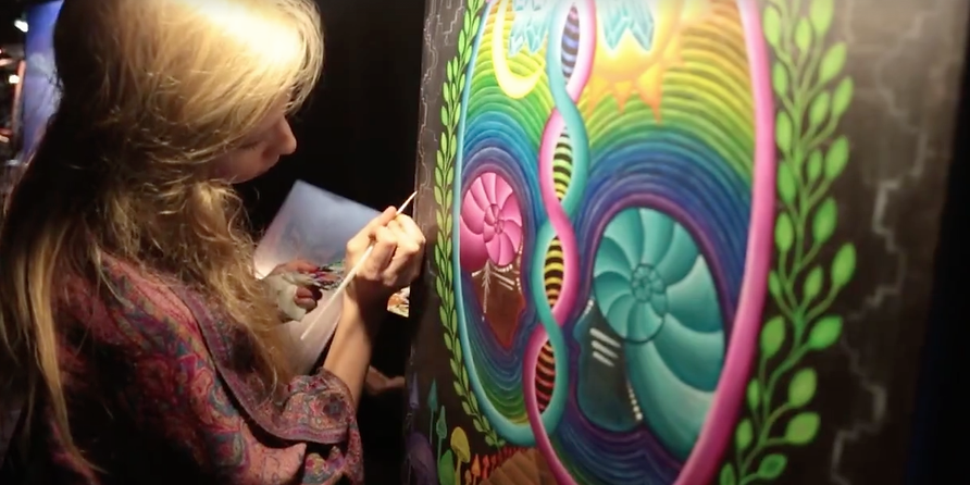 Live painting.png