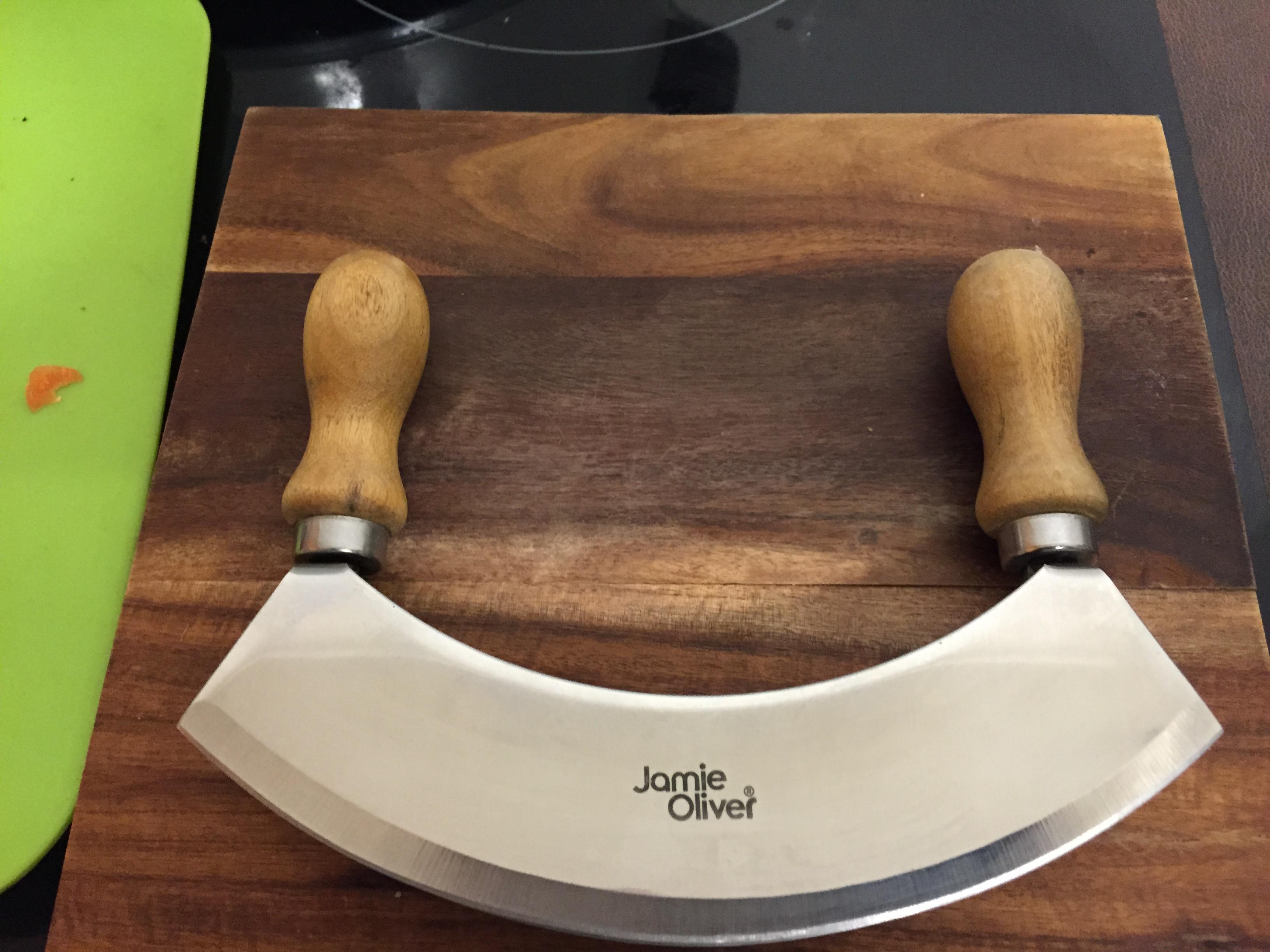 Dual blade Mezzaluna