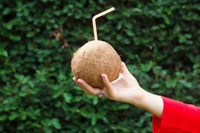 5 Beneficios del agua de coco