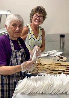 1Mary Sanders & Sue Nordman, bagging cookies.jpg