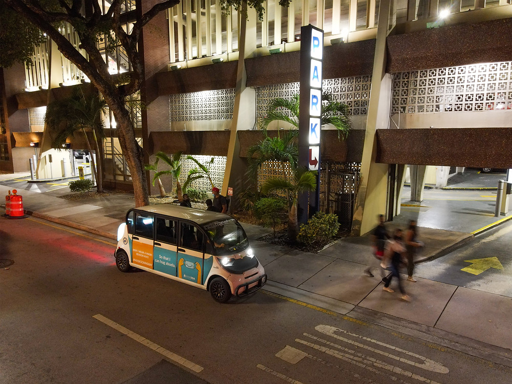Freebee Shuttle picking up riders in Downtown Miami - Mobility Planning, Urban Planning, Transit Design