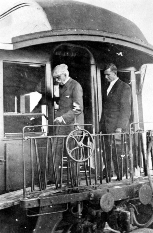 Image Source, Florida Memory. Henry Flagler departing his train in Key West