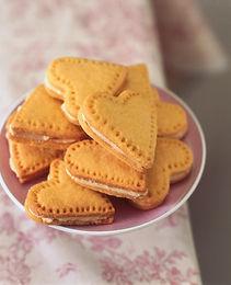 custard-cream-hearts-5899a44c6219a.jpg