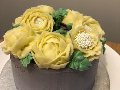 rachel buttercream flowers