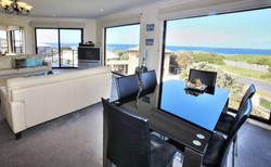 Phillip Island Accommodation, Luxury on Smiths 02