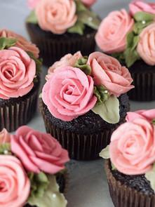 Monochromatic roses