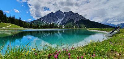 Österreich-BergeSee.jpg