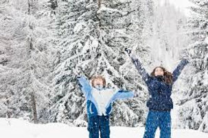 kids in snow.jfif