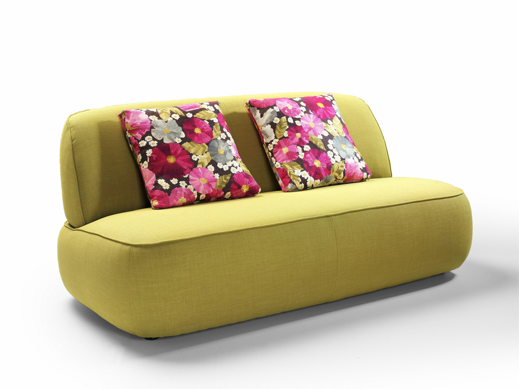 gongo sofa pres01.jpg