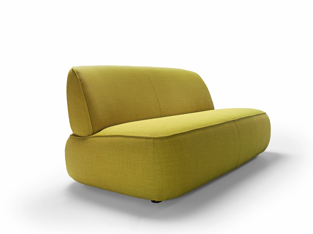 gongo sofa pres.jpg