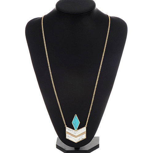 GOLDEN CHAIN WITH GEOMETRICAL PENDANT