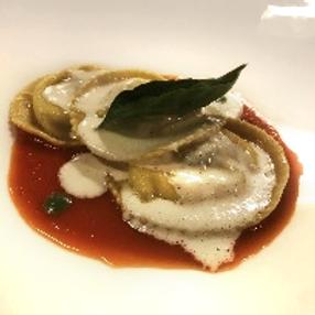 Capellaccio filled with porcini mushrooms and light gorgonzola sauce