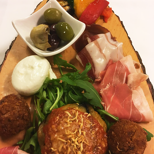 Choice of different Italian starters from 2 person (price per person)