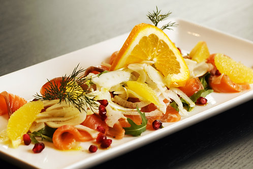 Graved salmon with citrus fruits and fennel salad