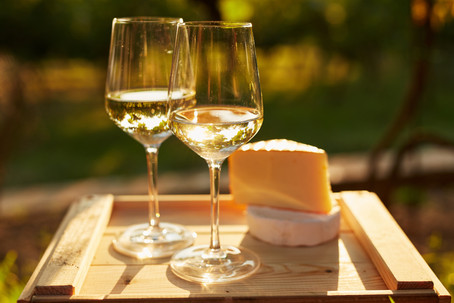 Chardonnay or Sauvignon Blanc: Why Choose One Over the Other, When You Can Enjoy Both!