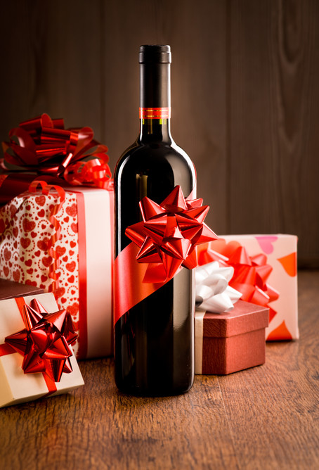 25 Wine Recommendations: Gifting Ideas for the Holidays!