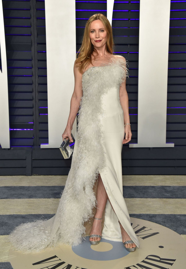 leslie-mann-at-vanity-fair-oscar-party-i