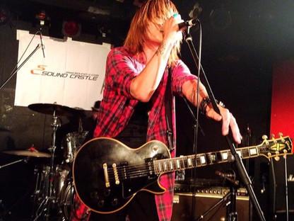 KUZYAKU is recording a songs.