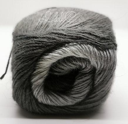 *Aurora gris*