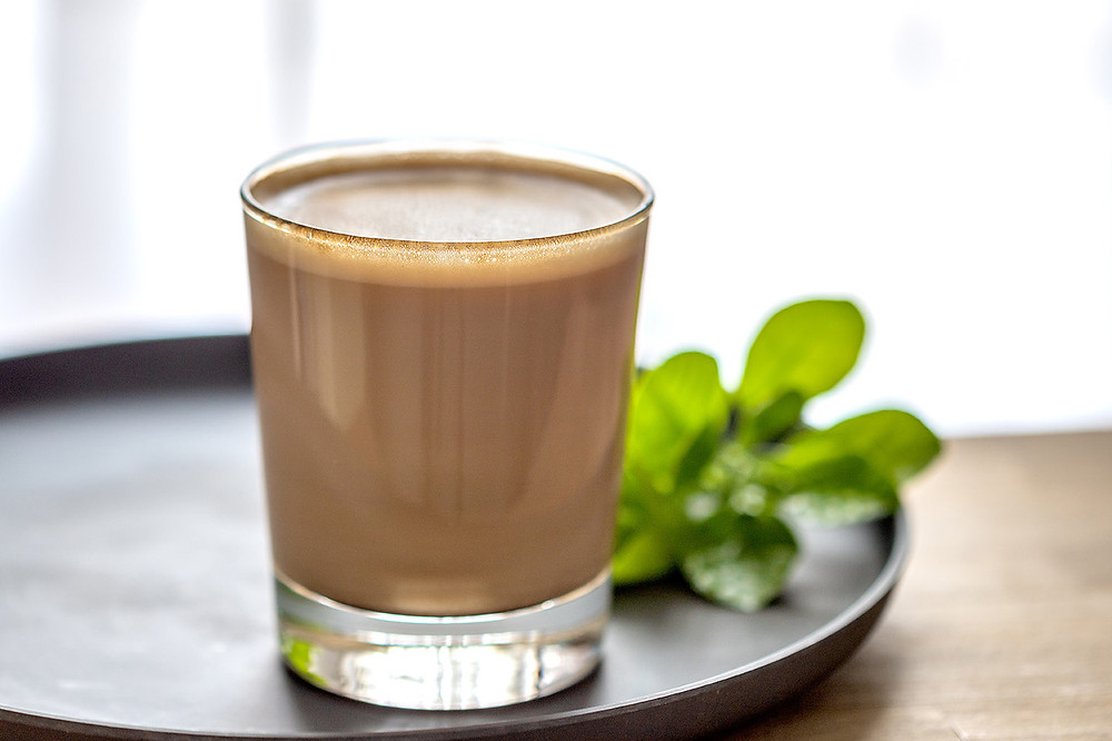 Кофе с молоком (фото: Salima Senyavskaya)