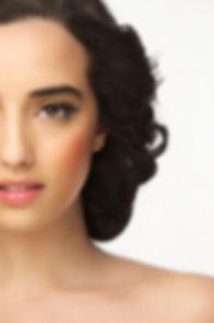 half-fram-girl-eyes-open_33839-1519.jpg