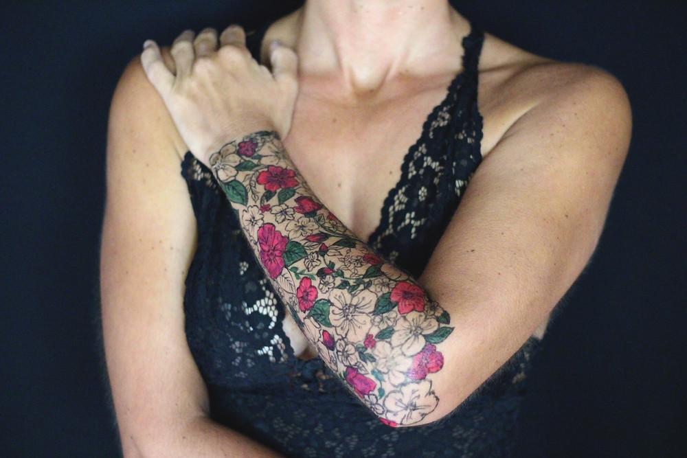 tatouage décolleté maquillage corporel art