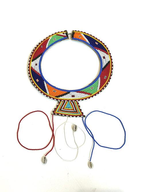 Collar babero Masai