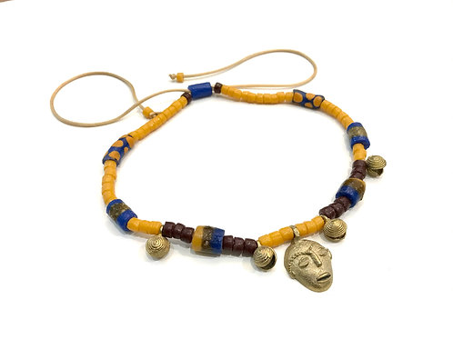 Collar de perlas de cristal y bronces