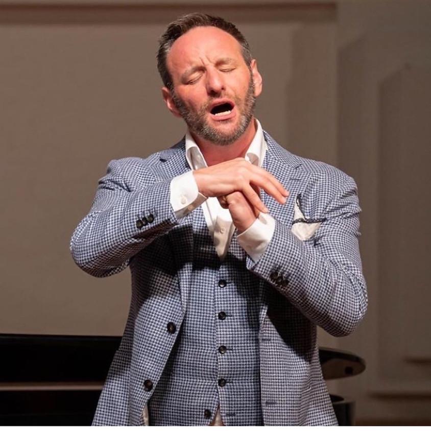 Claire's pop up petit cabaret presents: BRAD COOPER tenor