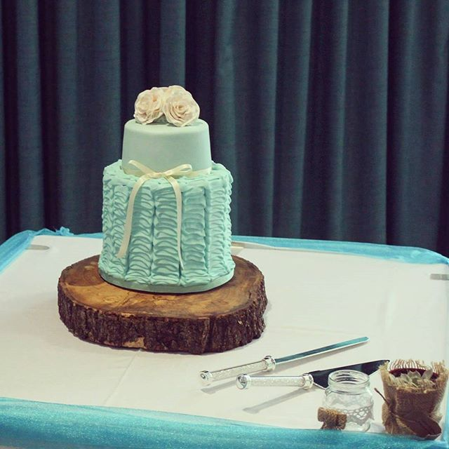 Blue Ruffles_#weddingcake #rufflecakes #bluecakes #royalicing #sugarflowers
