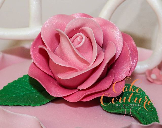 3 toned pink rose_#ombrerose #sugarflowers #pink #pretty #flowers