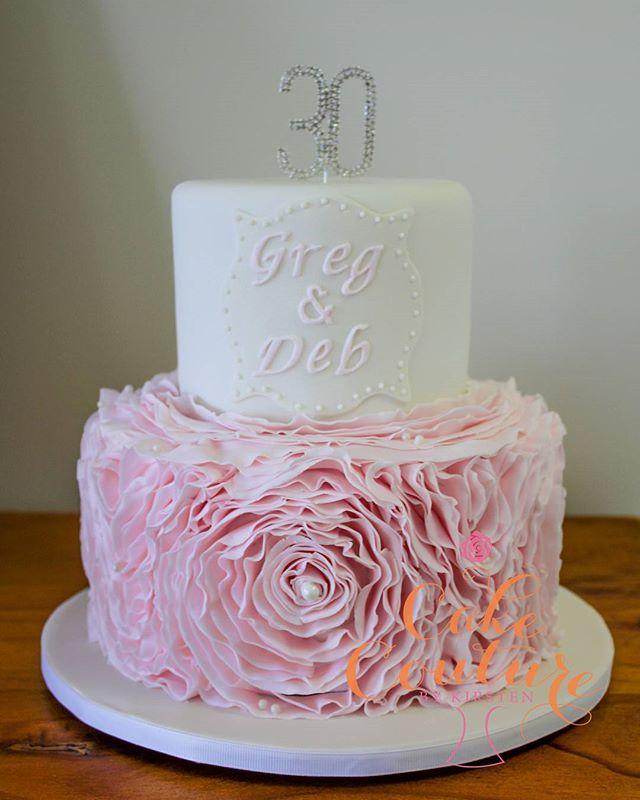 Pearl Anniversary (30years)_#30thweddinganniversary #anniversarycake #rufflecake #pearls #30years #l